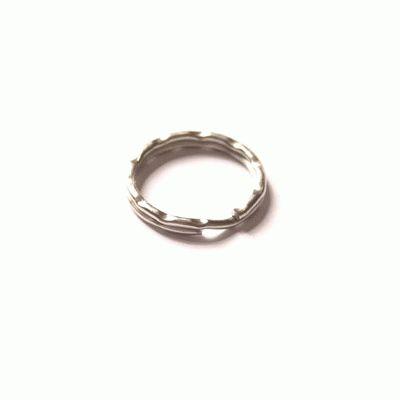 Кольцо для ключей среднее фигурное d=24мм
